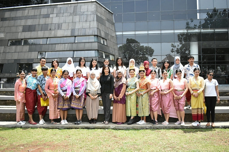 Exploring ASEAN in Indonesia for PSU Staff and Students